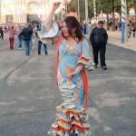 Aprendiendo a bailar sevillanas, china.