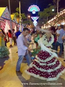 """""""Bailar Sevillanas"""" en La Feria de La Manzanilla en San Lúcar de Barrameda."""
